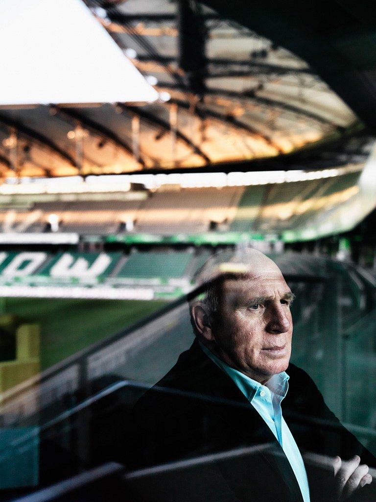 Dieter Hoeneß, Fußballmanager