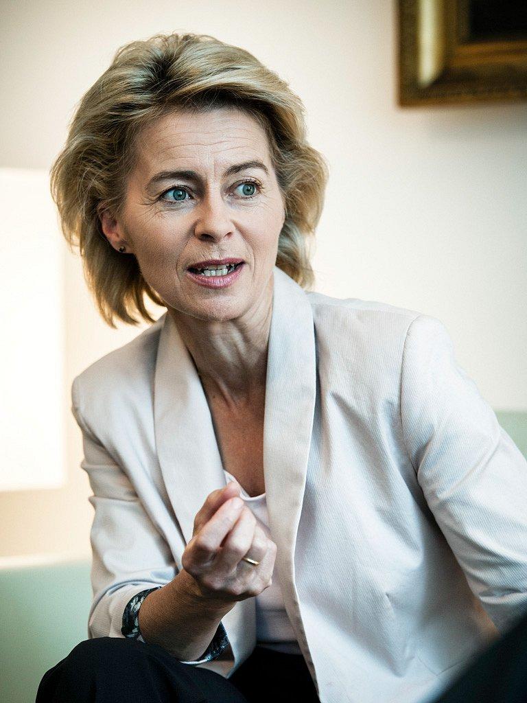 Dr. Ursula von der Leyen, Bundesministerin für Arbeit